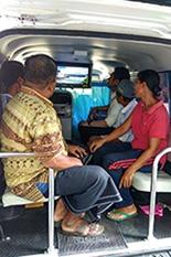 """海外での活動事例。左はメキシコの孤児院での訪問活動、右はインドネシアでの「健康教室カー」による講習風景<br><span class=""""fontSizeS"""">(写真提供: ヤクルト本社)</span>"""