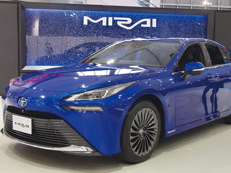トヨタが新型の燃料電池車を量産