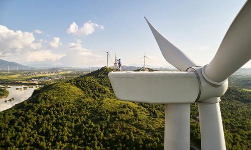 アップルの中国クリーンエネルギー基金を活用した中国湖南省にある48MWの風力発電所(写真:アップル)