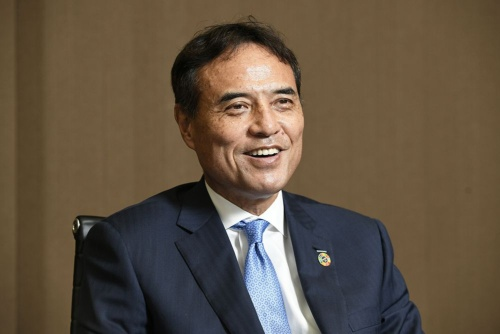Takeshi Niinami, Chief Executive Officer