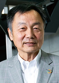 <b>本多 均(ほんだ・ひとし)</b><br>ウォータースタンド代表取締役<br>1954年4月東京生まれ。1977年中央大学文学部卒業。大学卒業後は東京証券に入社。翌年、赤木屋証券に移り、史上最年少の23歳で投資アドバイザーとなる。その後、代議士秘書などを経て、ジャスト(現ウォータースタンド)に入社。1991年同社社長に就任。同社の売上高は77億円(2018年6月期)(写真:木村 輝)