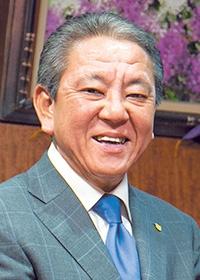 <b>井上綱隆(いのうえ・つなたか)</b><br>エコ計画 代表取締役社長<br>1965年埼玉県生まれ。1986年エコ計画に入社。93年取締役に就任。現場部門を統括する本社環境管理部取締役、経営企画室担当常務取締役を経て2006年エコ計画代表取締役社長就任。環境・食・貢献をテーマにグループ会社を含め、業容を拡大している