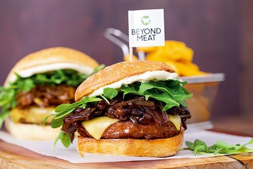環境配慮の観点や、若者に肉食離れも植物肉バーガーを後押し(写真提供:ビヨンド・ミート)