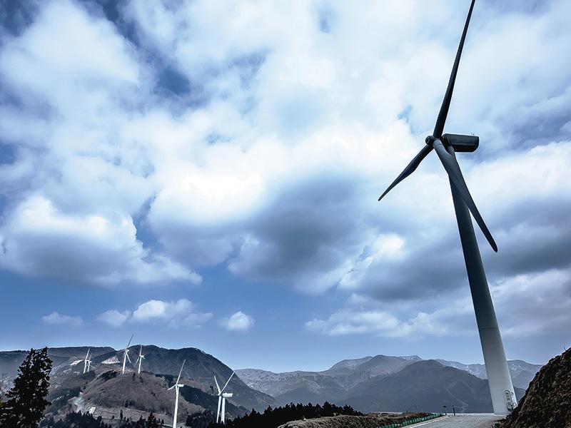 東電、30年にCO2排出を半減へ
