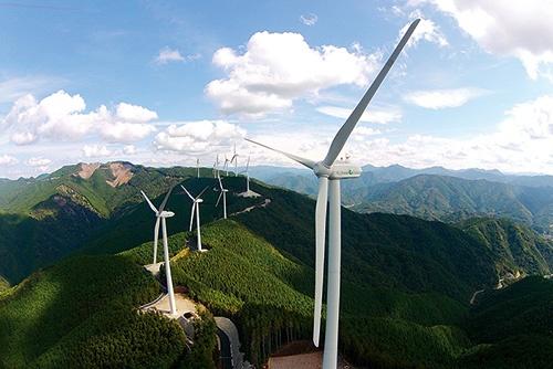 コスモエネルギーグループの風力発電事業会社、エコ・パワーが運営する広川・日高川ウィンドファーム(和歌山県)