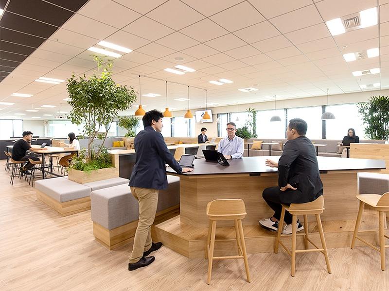 三井物産、社員のコラボレーションを可視化するオフィスに変革