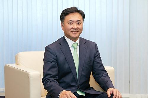 アビームコンサルティング 代表取締役社長 岩澤俊典氏<br/>1990年、東京大学農学部卒業。1997年、アビームコンサルティングに入社。2000年に執行役員に就任し、2007年にマネージングディレクターを兼任。 2008年より現職。