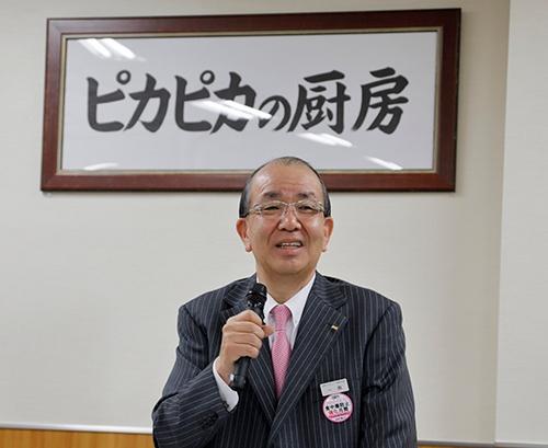 「一泉ゼミ」で講演する、日本ゼネラルフード代表取締役副社長の一泉知由氏(撮影:山田愼二)