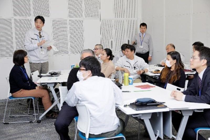社員のハーモニーが聴こえる未来志向の周年誌~フォスター電機70周年~