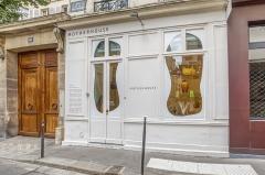 フランス・パリの予約制ショールーム(写真:マザーハウス)
