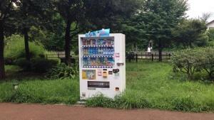 自動販売機の設置例(写真:高井 譲)