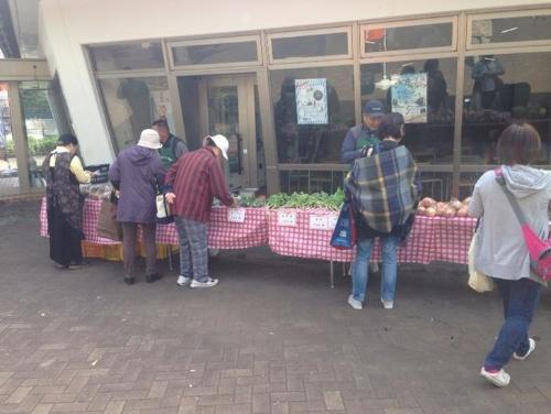 ファーマーズマーケット。西東京市では、地元農家が直接販売を手掛ける(写真:高井 譲)