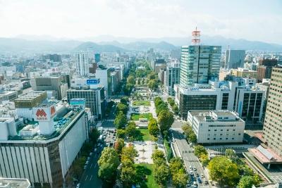 札幌市民や観光客の憩いの場が市の中央にある大通公園だ(写真提供:ピクスタ)