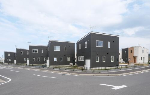 むつざわスマートウェルネスタウン住宅。賃貸の町営住宅33戸を整備(写真:加藤 康)