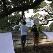 熊本・白川で、「SHIRAKAWA BANKS」が実施したディスタンス確保の取り組み。「密」を避けるための会場デザインだ(写真:2枚ともSHIRAKAWA BANKS)