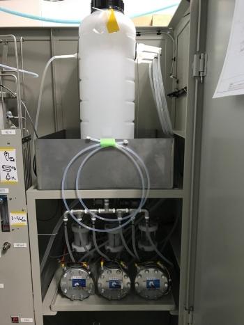 図11●柏市のラボに設置した水電解装置