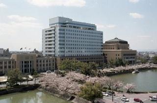 佐賀県庁(写真提供:佐賀県)