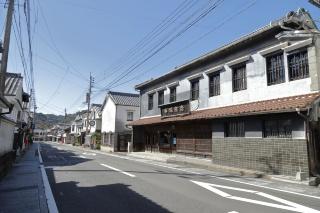 有田焼で有名な佐賀県有田町の古民家の並ぶ通り。LIGHTzをはじめ、有田町にもIT企業の進出が盛んになっている(写真:菅敏一)