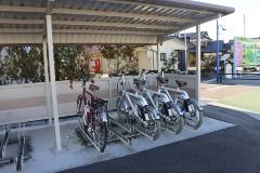 図2●木戸駅のサイクルポート。一般の駐輪エリアの右端を利用