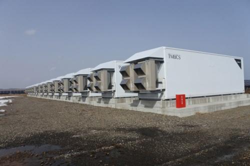 図5●TMEIC製「TMBCS(TMEIC蓄電池コントロールシステム)」を採用し、メガソーラー出力と蓄電池の充放電を統合制御
