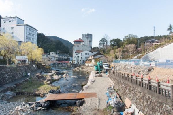 長門湯元温泉の風景。最盛期の1983年には年間39万人の宿泊客が訪れた(写真:今村浩一)