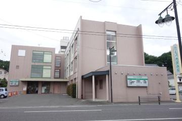 昨年7月に市立病院として新たなスタートを切ったたむら市民病院(写真:井上俊明)