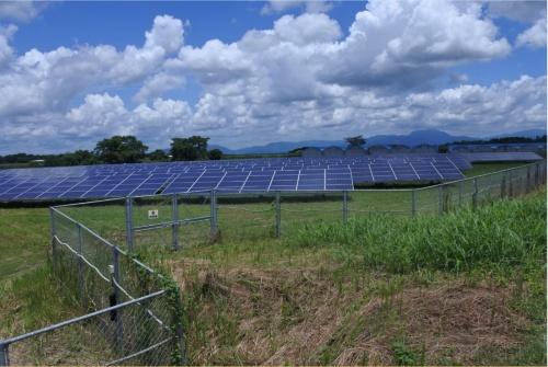 図1●田園地帯にある「合志農業活力プロジェクト太陽光発電所」