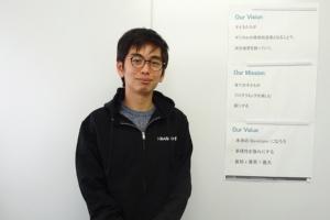 みんなのコード代表理事の利根川裕太氏。みんなのコードは、プログラミング教材や、プログラミングの授業を担当する教員向けの研修などを提供するNPO法人だ(写真:赤坂麻実)