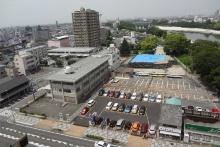 事業用地の現況写真。東側から事業用地を見る(資料:岡崎市)