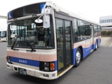 実証実験で運行する中型バス(出所:高萩市)