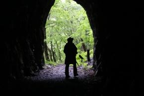 真っ暗なトンネルにおそるおそる足を踏み入れる。暗闇恐怖症の筆者はかなり心拍数が上がったものの、その分、出口が見えたときの喜びはひとしお。現在は知る人ぞ知る存在だが、同様のアトラクション施設を新たに建築すれば多額の費用がかかるだろうと、もったいなく思う