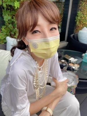 香港のスーパーモデルであるユーニス・チャン氏も、#MillionSmileHKに参加して、SNSに写真をアップ(写真提供:Eunis Chan)