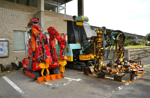 災害現場で働くロボットたち、名付けて「援竜」