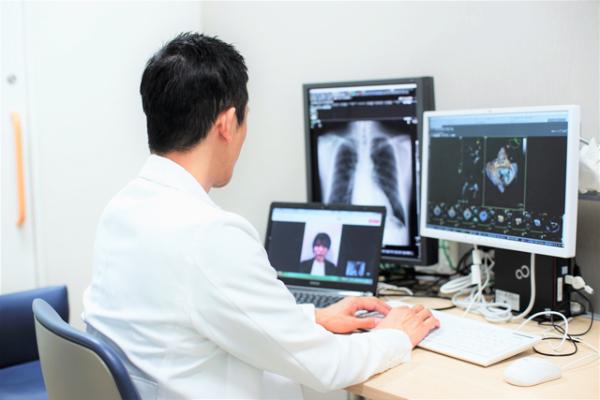 <b>病院でのオンライン診療風景</b>(提供:田端氏、以下同)