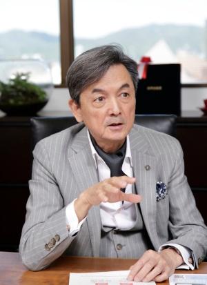 オーガンテクノロジーズ取締役で理研チームリーダーの辻氏(写真:行友重治、以下同)