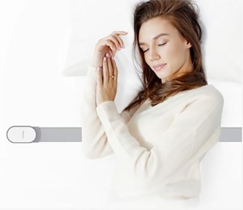 睡眠センサー「MATOUS SS」の使用イメージ(出所:FiNC Technologiesと帝人フロンティア、以下同)