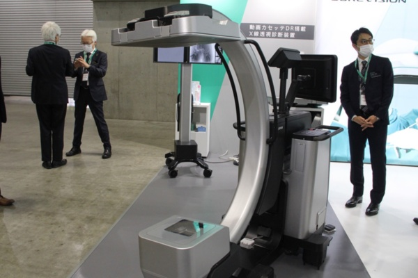センサーパネルの小型化により動画カセッテDR搭載X線透視診断装置(薬事未承認)など新たな領域に参入