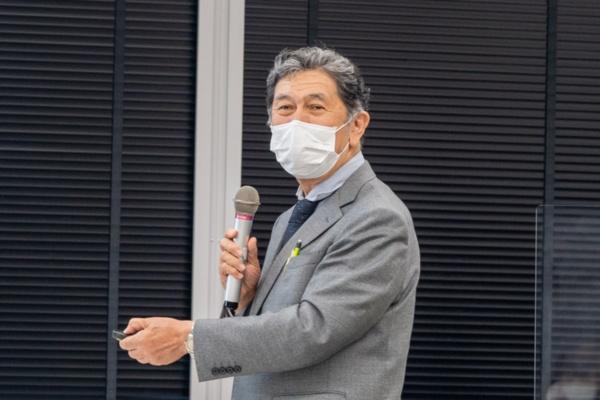 同協会理事で岡山大学客員教授・日本製薬団体連合会理事長の宮島俊彦氏