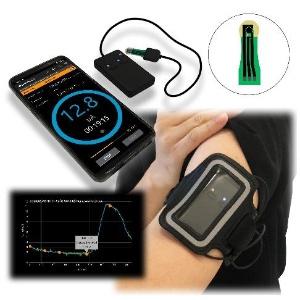 汗乳酸センサーの使用イメージ。デバイスは開発中であり、未承認の製品となる(出所:プレスリリース)