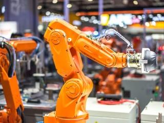 応用シーンが拡大、人作業の置き換えが加速する産業用ロボット