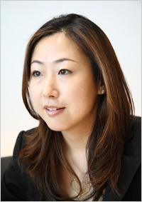 浅野屋代表取締役社長の浅野まきさん