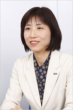 人事部担当課長の根岸多賀子さん(写真:山田愼二、以下同)