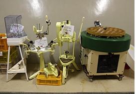 《キュベ・ヨシコ》を造る装置。父がフランスから仕入れた(写真:山田 愼二)