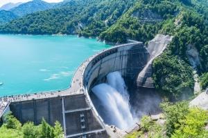 大型水力など化石燃料を使わない電源の「非化石価値」が売れるようになる(画像は黒部ダム)