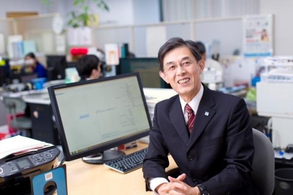 アイサス代表取締役の百成公鋭氏(提供:アイサス)