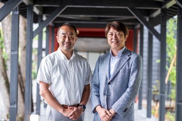 井口氏(左)とフジノ氏(写真:小口正貴)