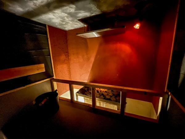 OKE SAUNAゾーンにあるからふろの内部(写真:塩谷歩波)
