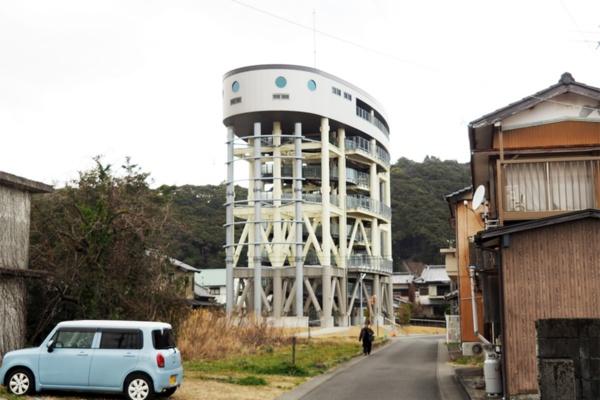 佐賀地区の避難タワー。230人を収容できる