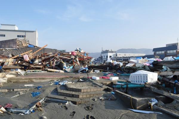 震災直後の、木の屋石巻水産の工場。ほぼ跡形もない状態だった(写真提供:木の屋石巻水産)