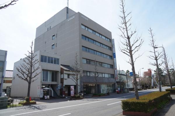 HOWAビル津中央の外観(写真:守山 久子)